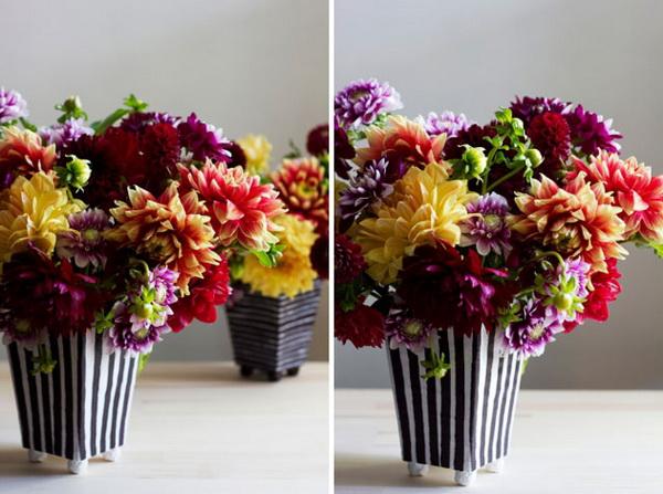 ดอกไม้สีสดในแจกัน