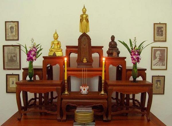 หิ้งพระพุทธรูป